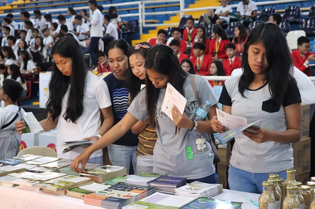 Hundreds of youth for agri
